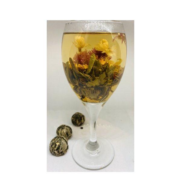 blooming tea σε γυάλινοποτήρι